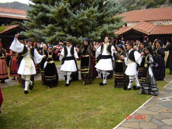 Δωρεάν μαθήματα λαογραφίας,  παραδοσιακών και λαϊκών χορών